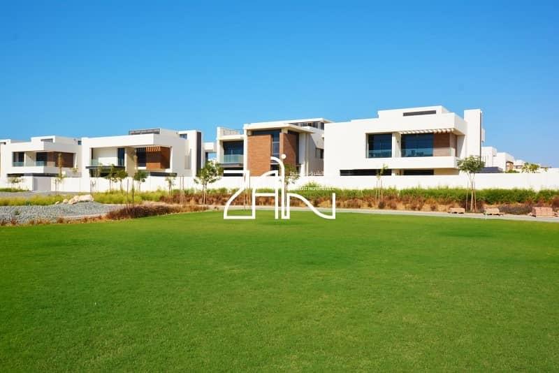 Single Row 4 BR Villa T1 with Big Garden