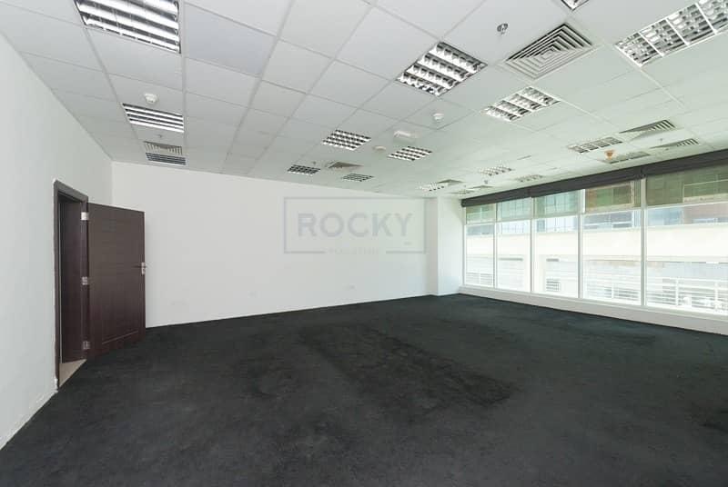 2 Beautiful & huge 790 Sq.Ft Office | Bur Dubai