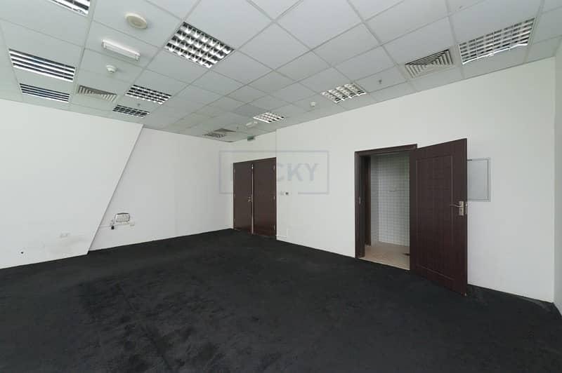 Beautiful & huge 790 Sq.Ft Office | Bur Dubai