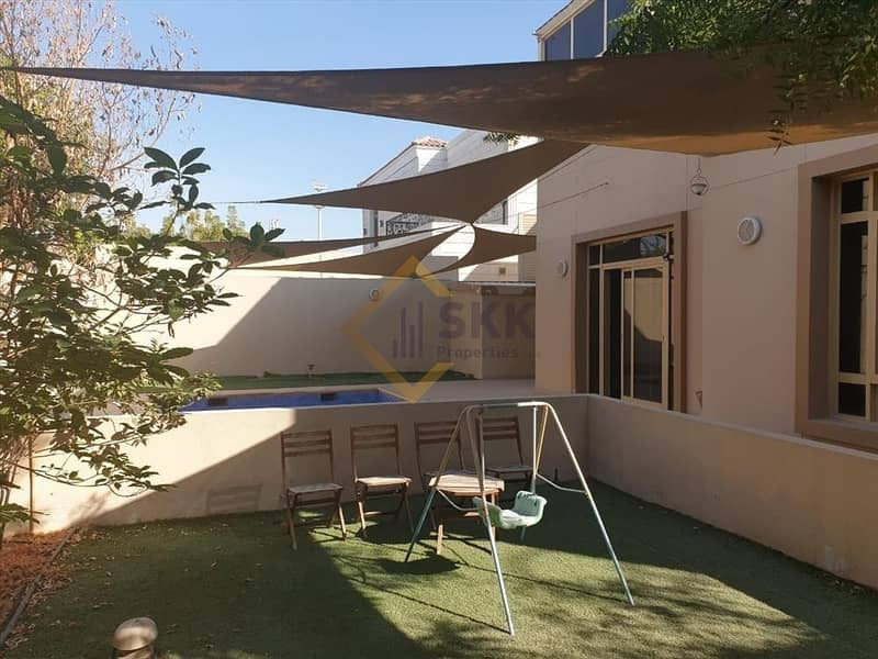 2 Upgraded 5+M BR villa with pool and garden