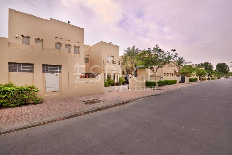 12 Largest 6 Bed Villa in Meadows