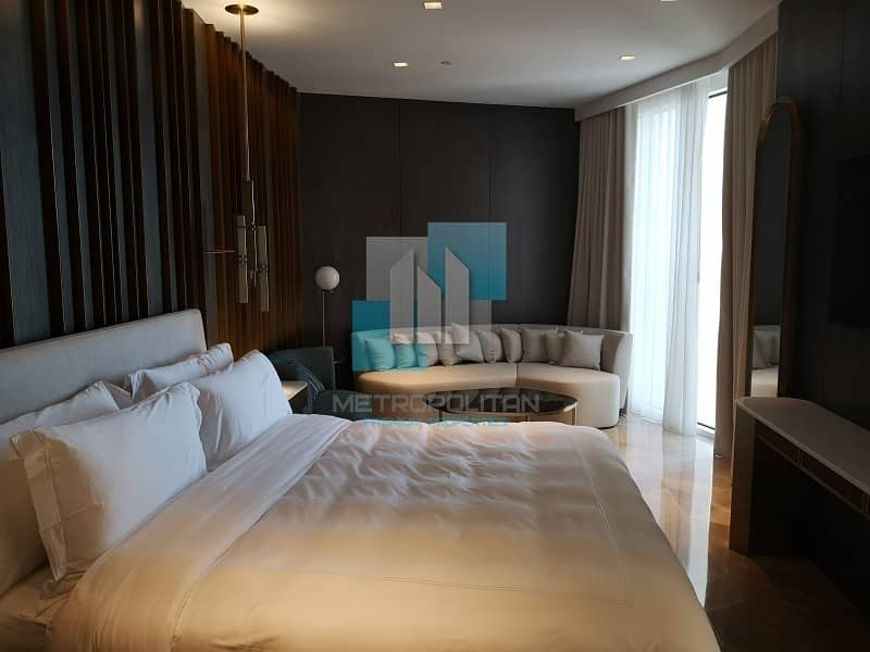 Fully Furnished   Partial Sea Views   Large Unit & Vacant