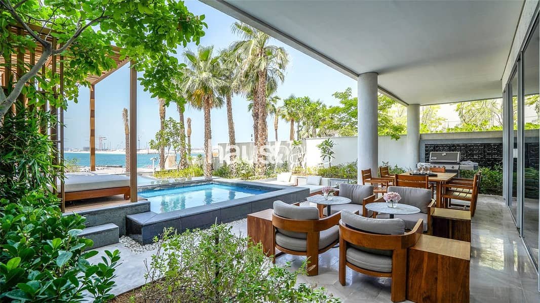 000 square Foot Town-House with Private Pool