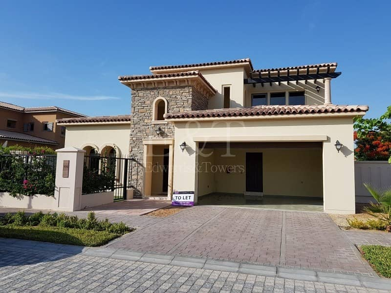 1 Luxury 4bed Villa Big Plot w/Landscape Gate7