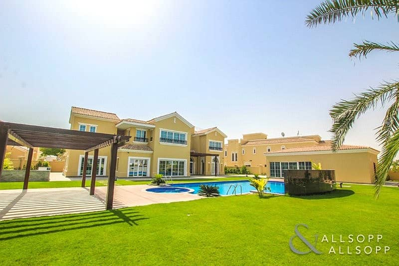 1 Private Pool | 6 Beds | 25