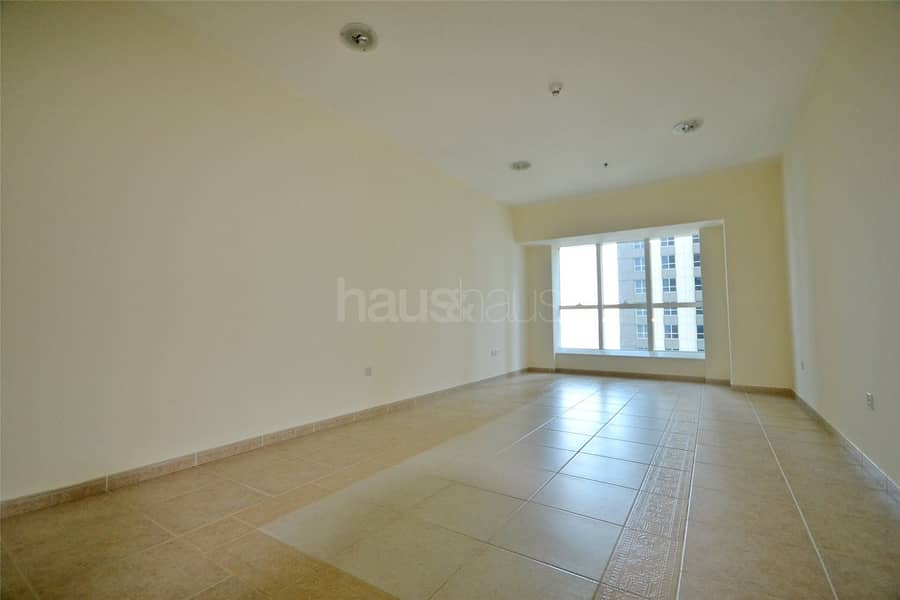 Un-furnished   Vacant   Partial sea view