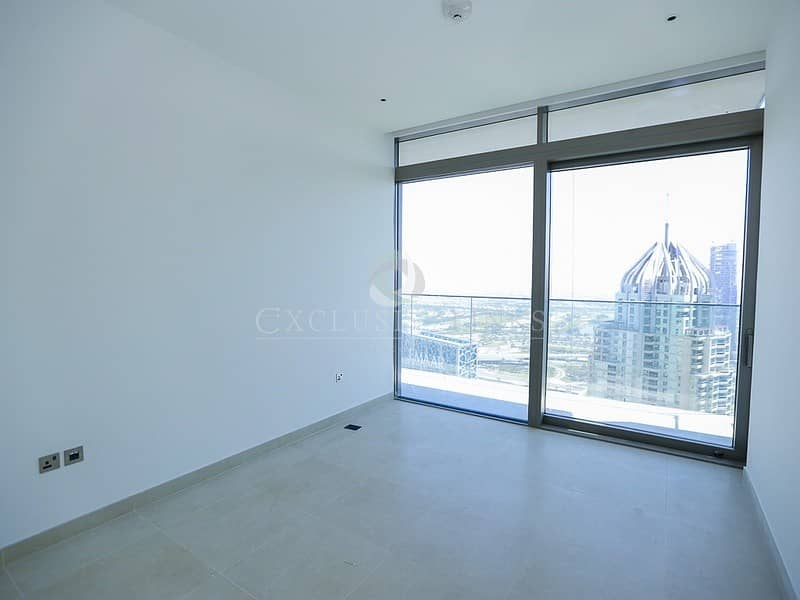 10 Modern 2 bedroom with lovely Marina views