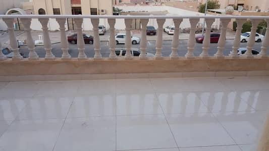 فیلا 3 غرفة نوم للايجار في مدينة الفلاح، أبوظبي - فیلا في مدينة الفلاح 3 غرف 80000 درهم - 4129866