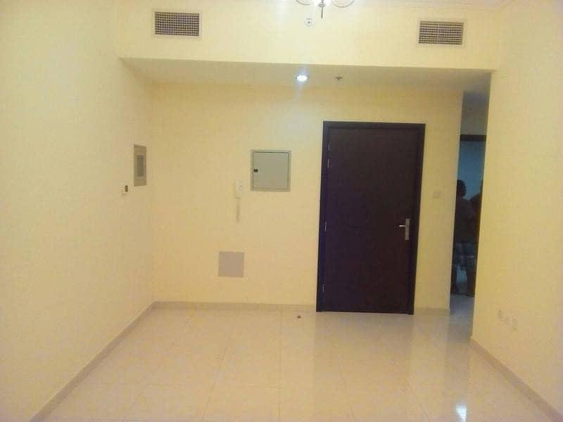شقة في بارادايس ليك مدينة الإمارات 1 غرف 140000 درهم - 4132208