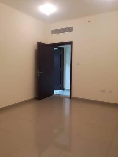 فلیٹ 2 غرفة نوم للايجار في مصفح، أبوظبي - شقة في شعبية مصفح 2 غرف 65000 درهم - 4132539