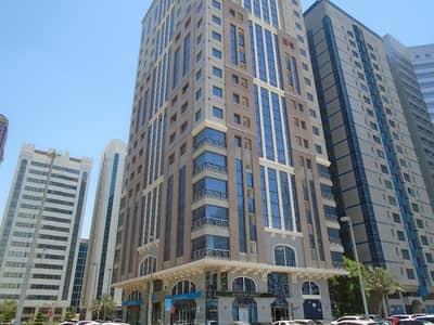 شقة في برج الجميرا شارع النجدة 1 غرف 48000 درهم - 4133139