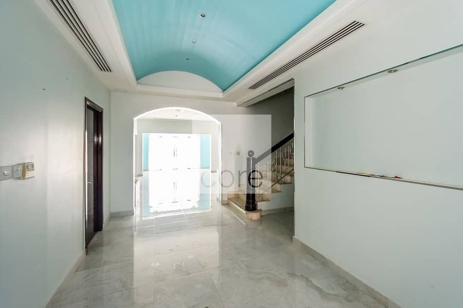 2 Commercial Villa | Full Sea View | Parking