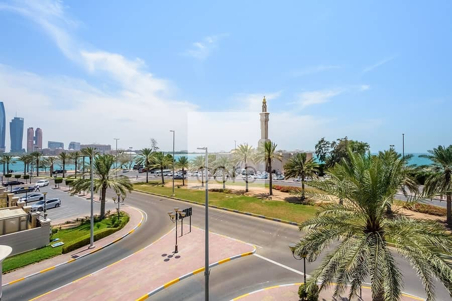 10 Ideal Location  | Fitted Commercial Villa