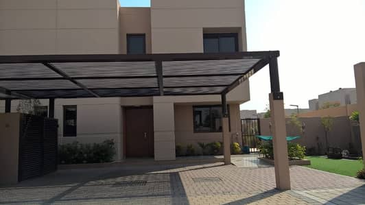 3 Bedroom Townhouse for Sale in Muwaileh, Sharjah - 3 BR Corner Townhouse with Landscaped Garden
