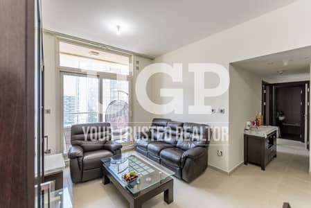 Fully Furnished 2BR apt with 2 Parking Space