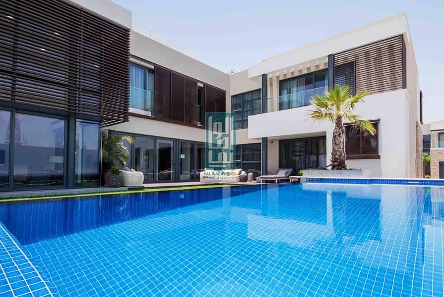 2 Live the luxury 4 BR  villa on Dubai Canal.