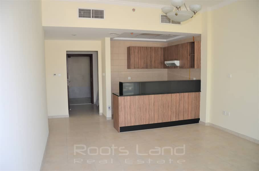 2 Amazing Unfurnished Apartment with Nice View