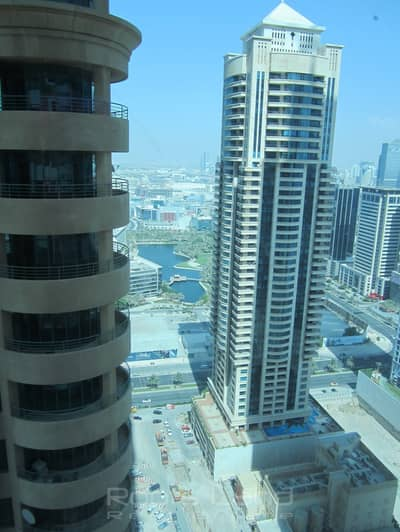 Spacious 2 Bedroom in Elite DM with Partial Sea View