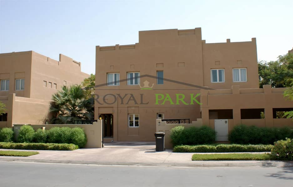 park view 4br prime location Hattan lakes