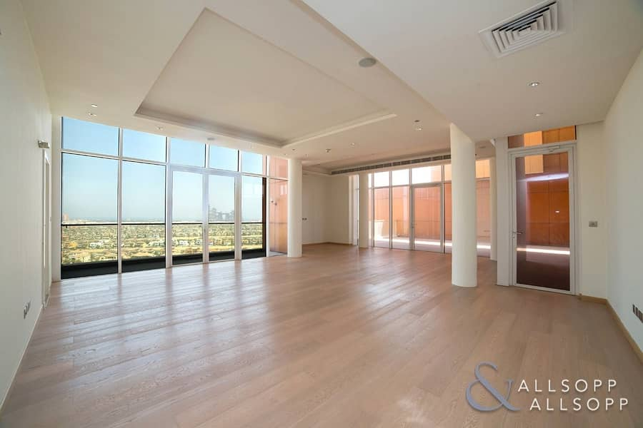 2 Beautiful | Upgraded | 4 Bed | Penthouse