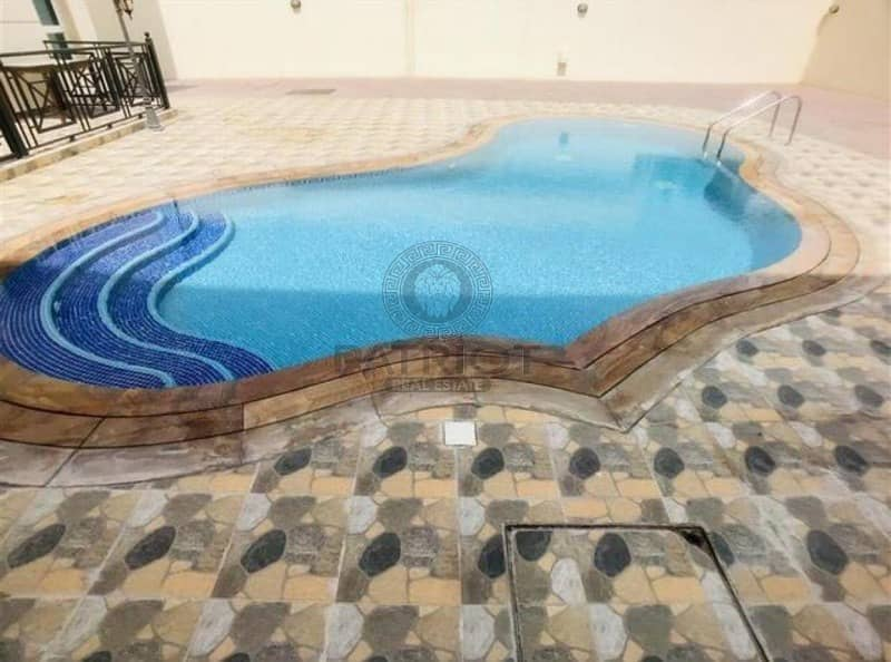 Luxurious 3BR+M-pool and private parking