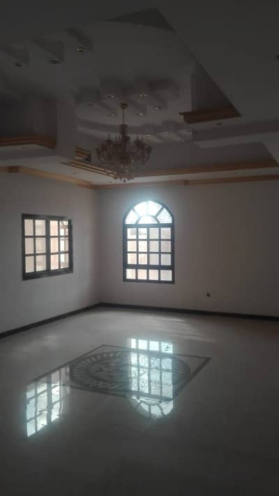 5 master bedroom Villa central AC @ AED 70,000 in one payment