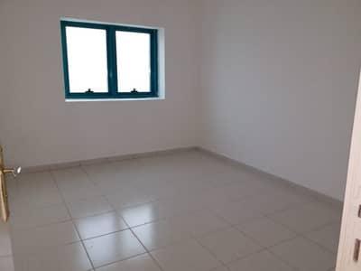 شقة 2 غرفة نوم للايجار في ابو شغارة، الشارقة - شقة في ابو شغارة 2 غرف 31000 درهم - 4138368