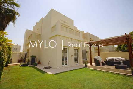 3 Bedroom Villa for Sale in The Lakes, Dubai - Upgraded + Extended C-end  3bed| Large plot