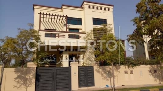 5 Bedroom Villa for Rent in Al Maqtaa, Abu Dhabi - Corner Villa I With Garden I Prime  Area