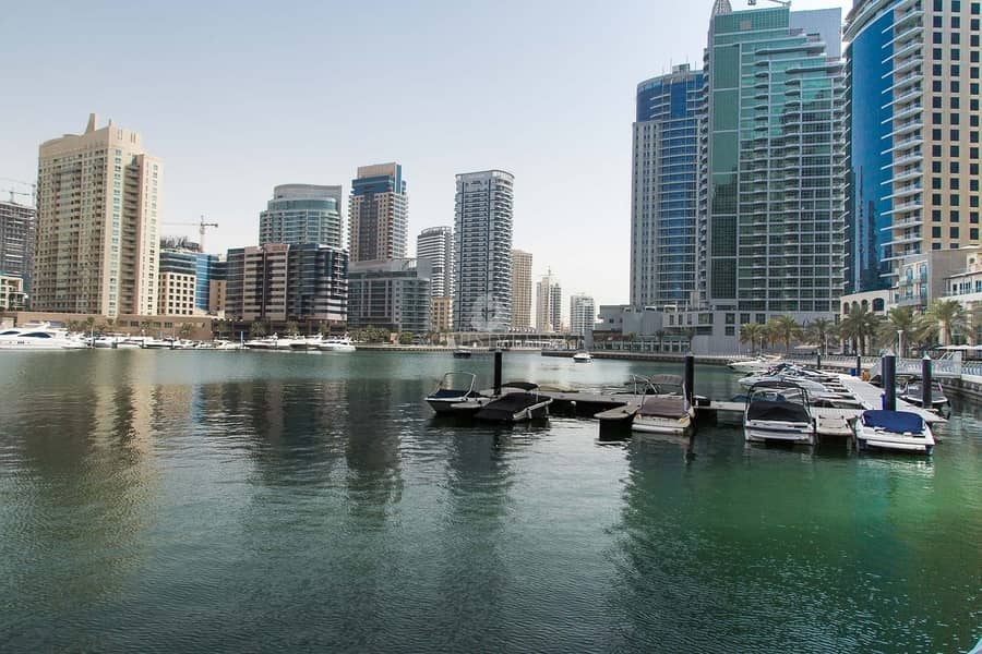 Fantastic 1 bed with amazing Marina views