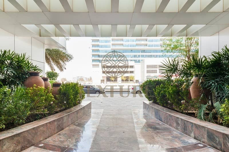 19 **Spacious 1BR for Rent in Durar 1 - AED 45K**