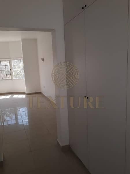 13 Hot Deal!! 4 BR  Villa in Jumeirah 3 for Rent