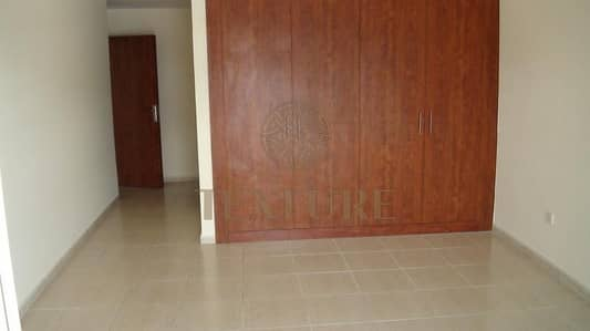 1 Bedroom Flat for Rent in Dubai Sports City, Dubai - HUGE AND CHILLER FREE 1 BEDROOM  APARTMENT FOR RENT 45K 2CHEQS