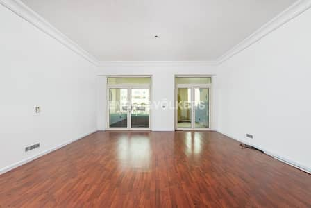 2 Bedroom Flat for Rent in Palm Jumeirah, Dubai - Upgraded Kitchen  Park View    Spacious
