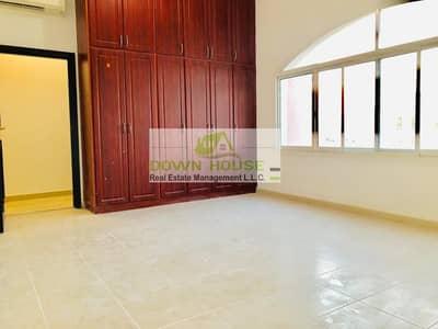 استوديو  للايجار في مدينة محمد بن زايد، أبوظبي - Brand new brand new spacious studio with ward robe close to mazyed mall