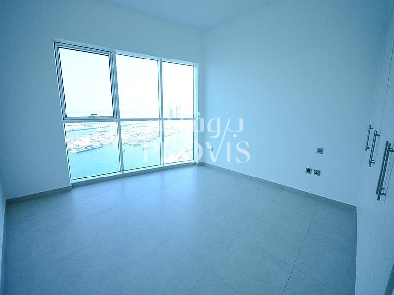 Perfectly located on corniche|Glorious sea view