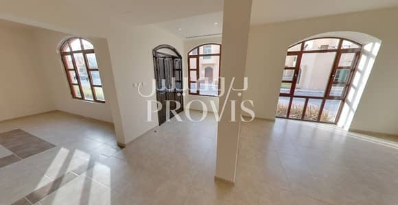 4 Bedroom Villa for Rent in Sas Al Nakhl Village, Abu Dhabi - Knock knock