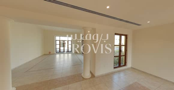 5 Bedroom Villa for Rent in Sas Al Nakhl Village, Abu Dhabi - The perfect opportunity to enjoy family life!