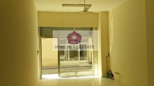 محل تجاري  للايجار في ديرة، دبي - Shop for Rent in Near 'union' Metro with Mezzanine Floor and washroom
