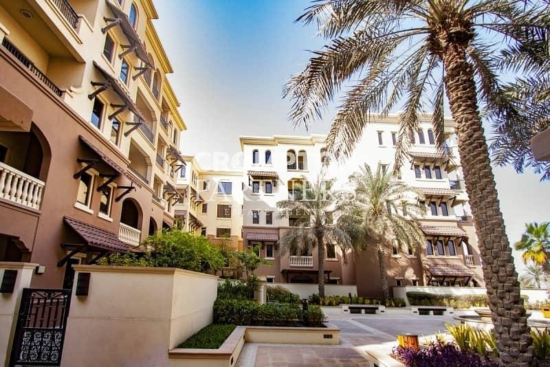 13 Stylish Beach Apartment, Balcony, Spacious