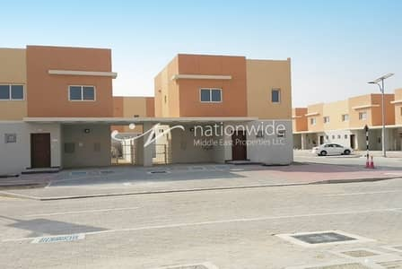 2 Bedroom Villa for Rent in Al Samha, Abu Dhabi - Stunning Family Home In A Great Location