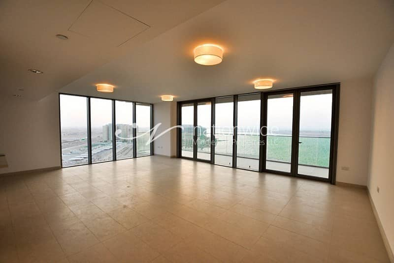 2 Full Sea Views 4 BR with Maid Penthouse!