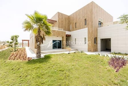 5 Bedroom Villa for Rent in The Marina, Abu Dhabi - Move In And Enjoy a Resort Style Living!