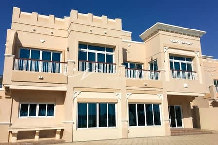 5 Bedroom Villa for Sale in Marina Village, Abu Dhabi - Luxurious Villa with Pool and Great View