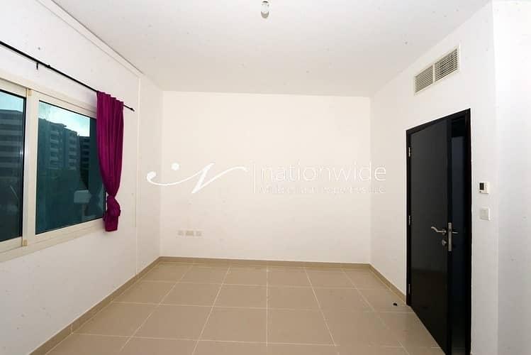 10 3BR Villa with Easy Access to Facilities