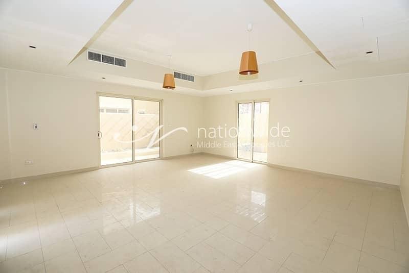 2 Elegant & Bright Villa with Spacious Layout