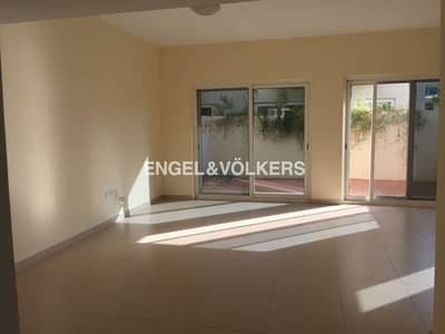 3 Bedroom Townhouse for Sale in International City, Dubai - Payment Plan    Middle Row   Maids Room