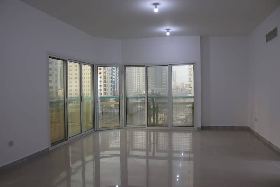 شقة في شارع الفلاح 3 غرف 80000 درهم - 4147492