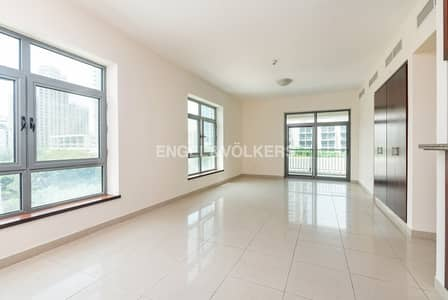 3 Bedroom Flat for Rent in The Views, Dubai - Pool & Canal View | Bright and Spacious