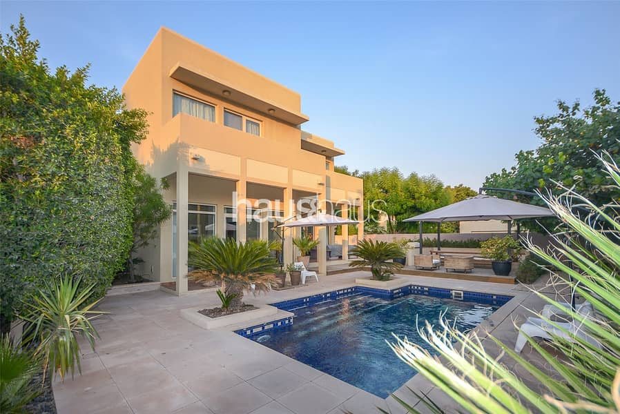 Type 9 | Immaculate | Corner Plot | Private Pool
